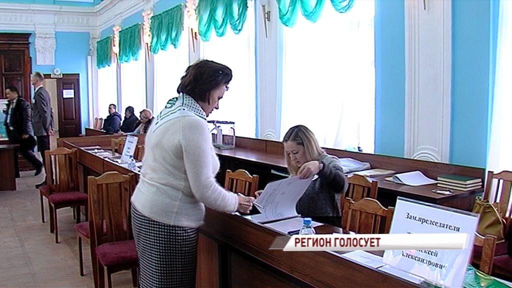 До закрытия избирательных участков меньше часа: как проходили выборы в регионе
