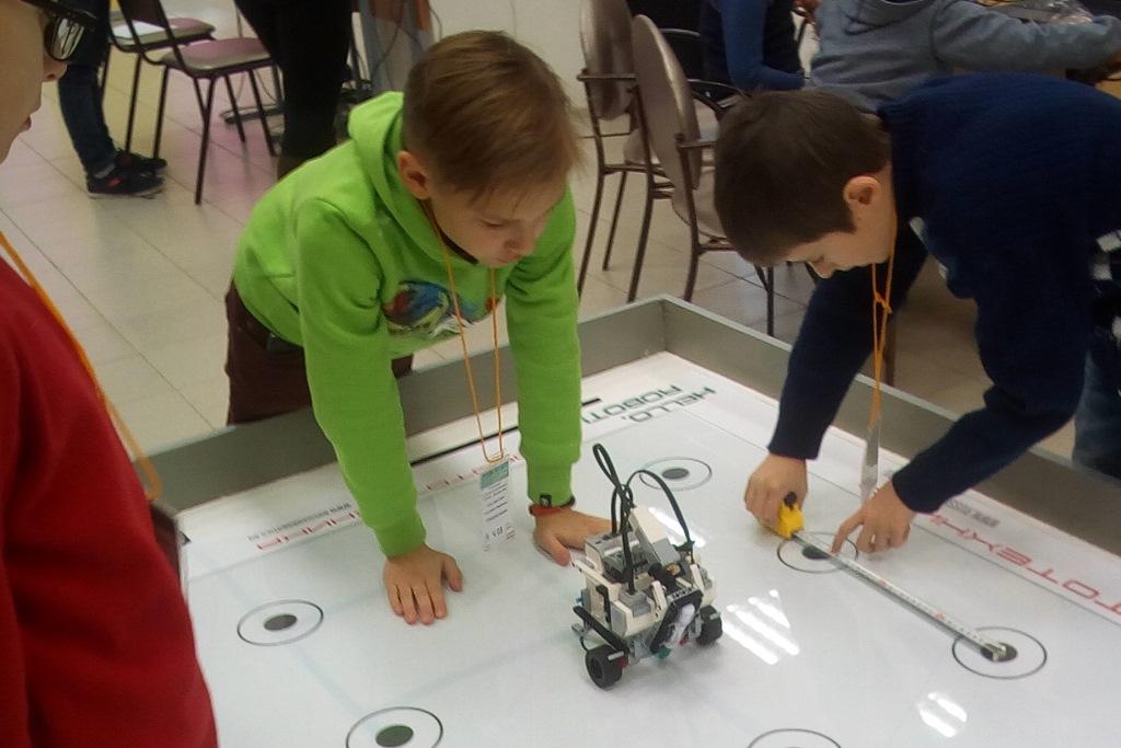 Юные ярославцы спроектируют своих роботов для «умного дома»