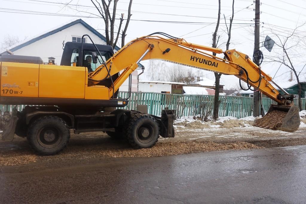 На четырех улицах, входящих в проект «Безопасные и качественные дороги», завершен ремонт водопровода