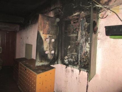 Пожарные спасли из огня двух подростков