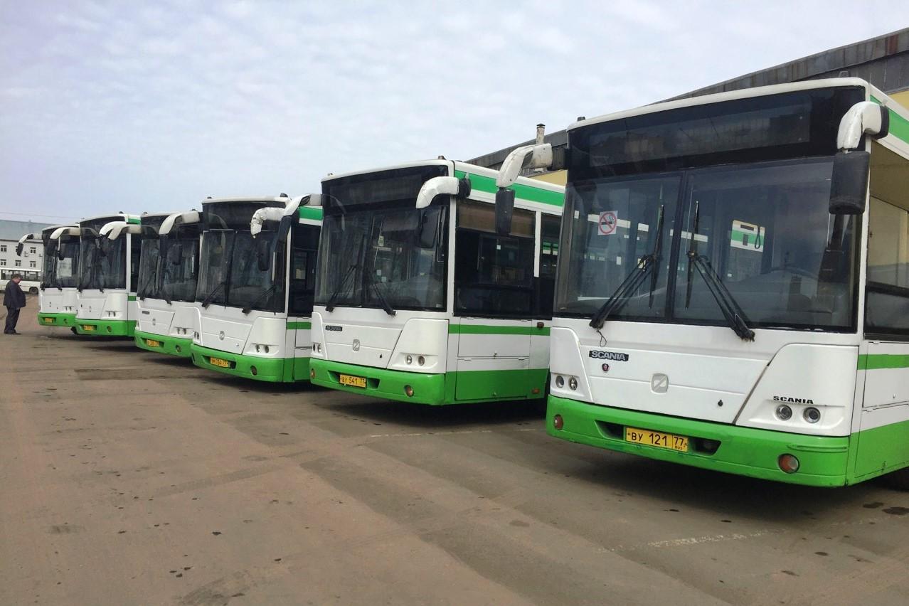 Столица подарила Ярославской области 11 автобусов