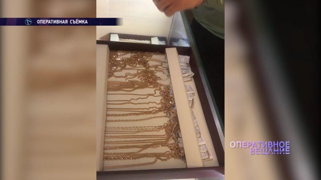 Взяли долг золотом: приставы арестовали имущество ювелирного магазина