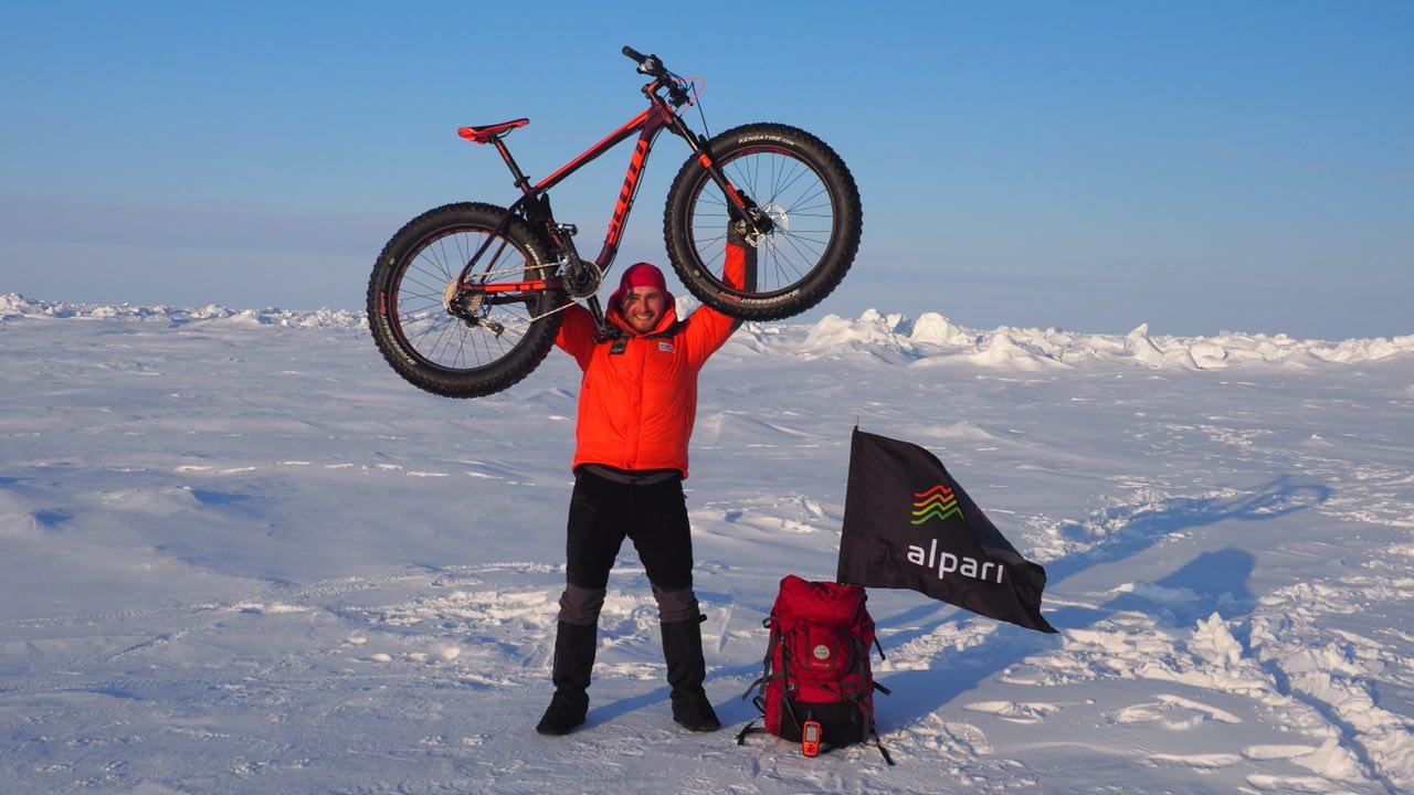 Ярославский путешественник доехал до Северного Полюса на велосипеде