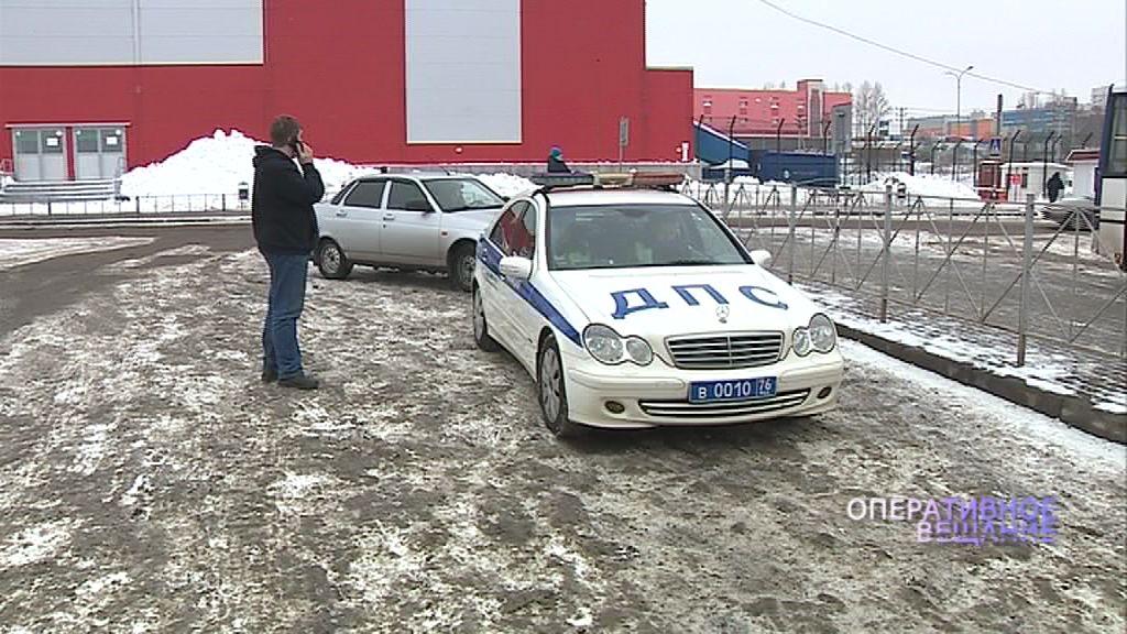 Ночью в Ярославской области перевернулась иномарка