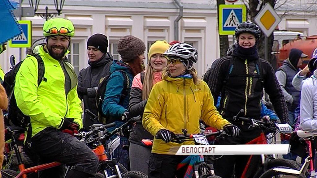 Сезон объявляется открытым: сотни любителей велоспорта приняли участие в ежегодном региональном пробеге