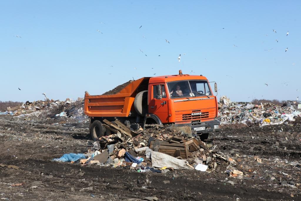На машинах с московскими номерами возят мусор, в том числе и ярославские предприятия