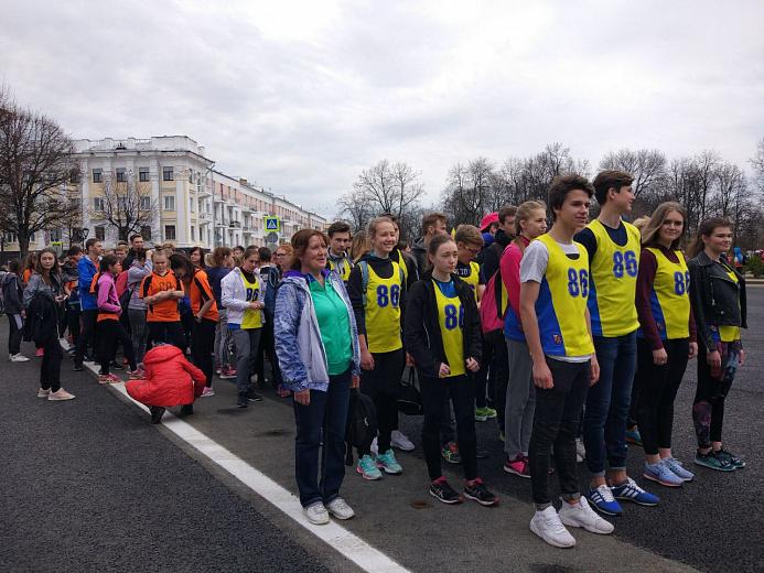 Более 1500 человек вышли на эстафету в честь годовщины Победы в Ярославле