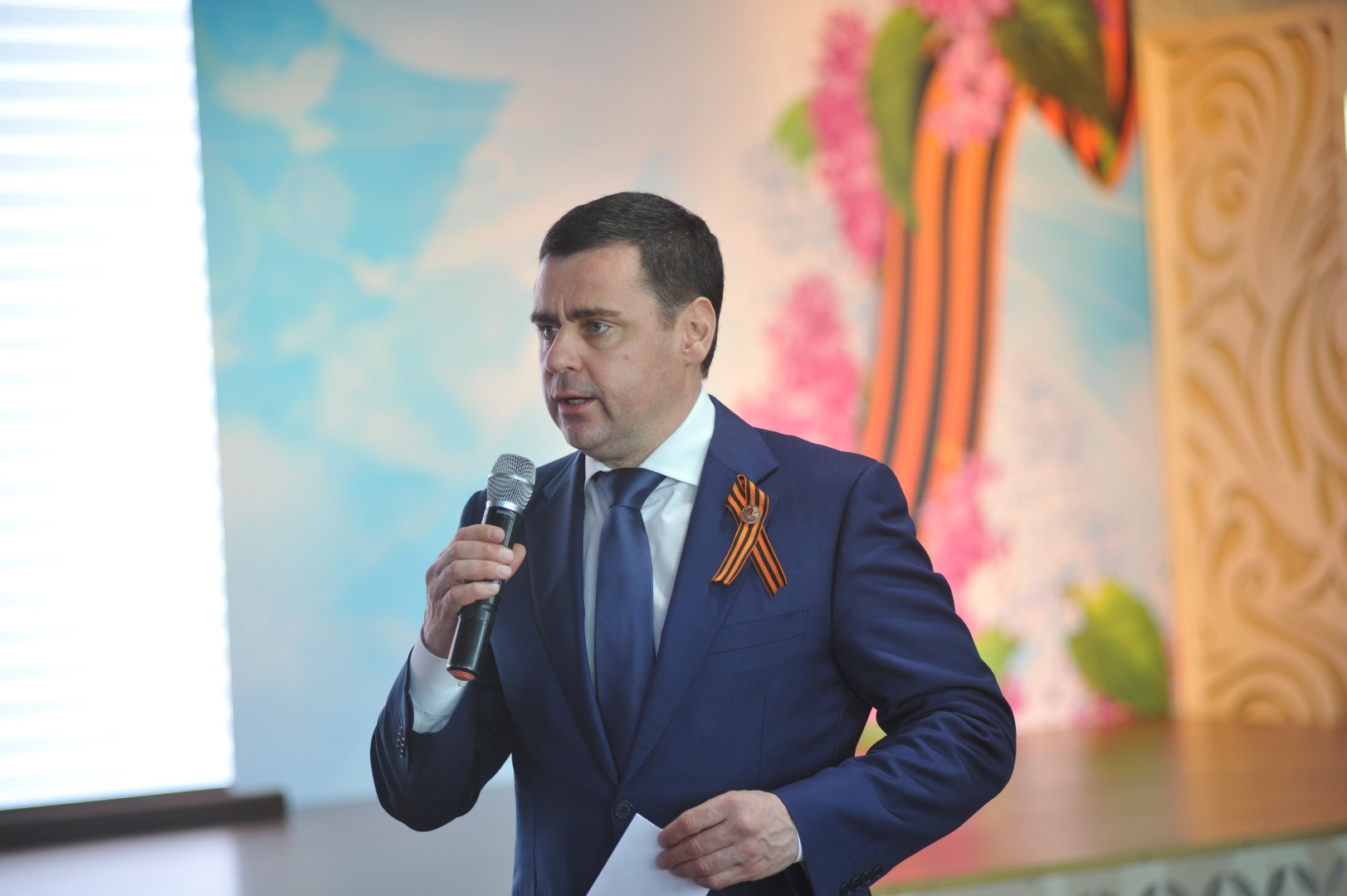 Дмитрий Миронов поздравил ветеранов с Днем Победы