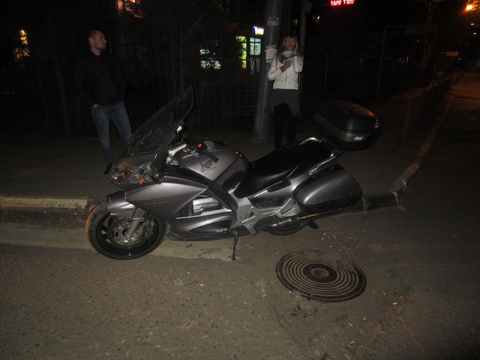 На улице Республиканской в Ярославле «Вольво» сбил мотоциклиста