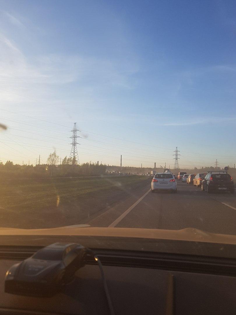 Ярославцы встали в огромную пробку на въезде в город