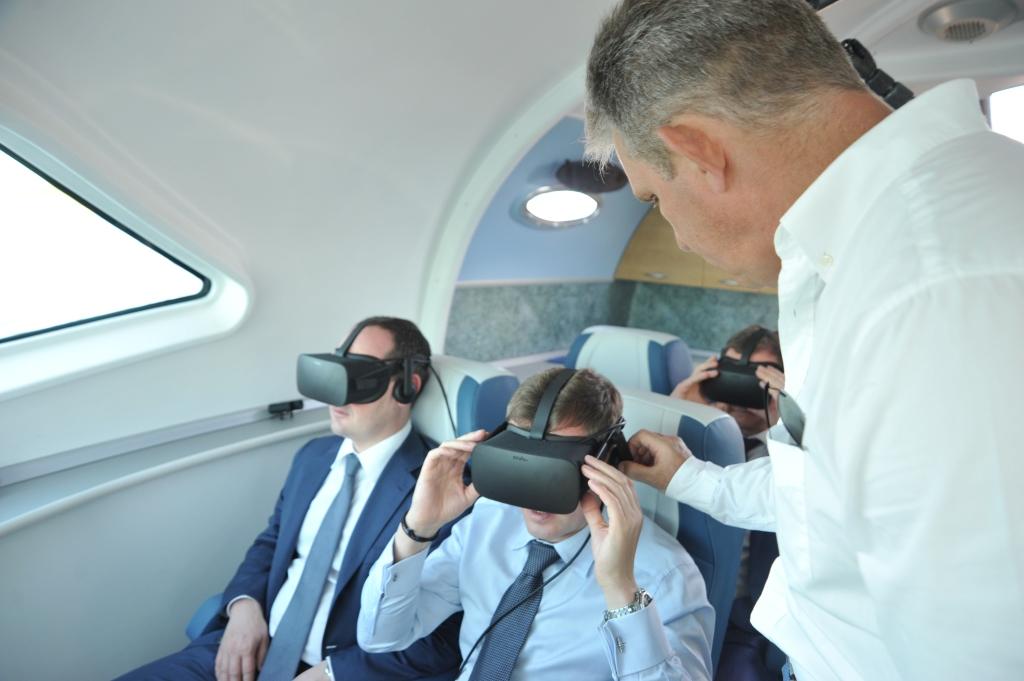 На новой яхте с виртуальной реальностью «полетали» представители региональной власти