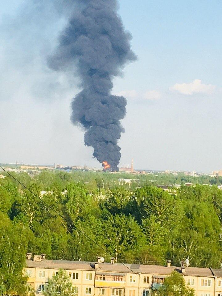 Огромный столб дыма в Ярославле виден из разных районов: что горит