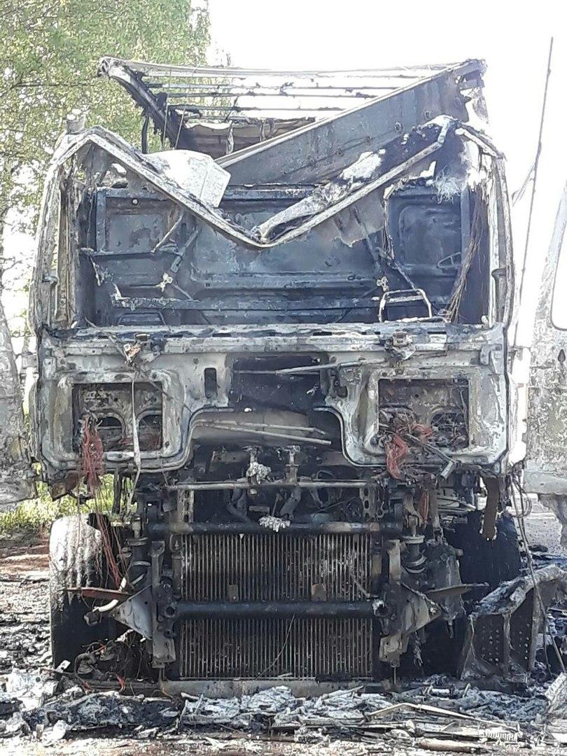 ВИДЕО: На Костромском шоссе под Ярославлем загорелась фура