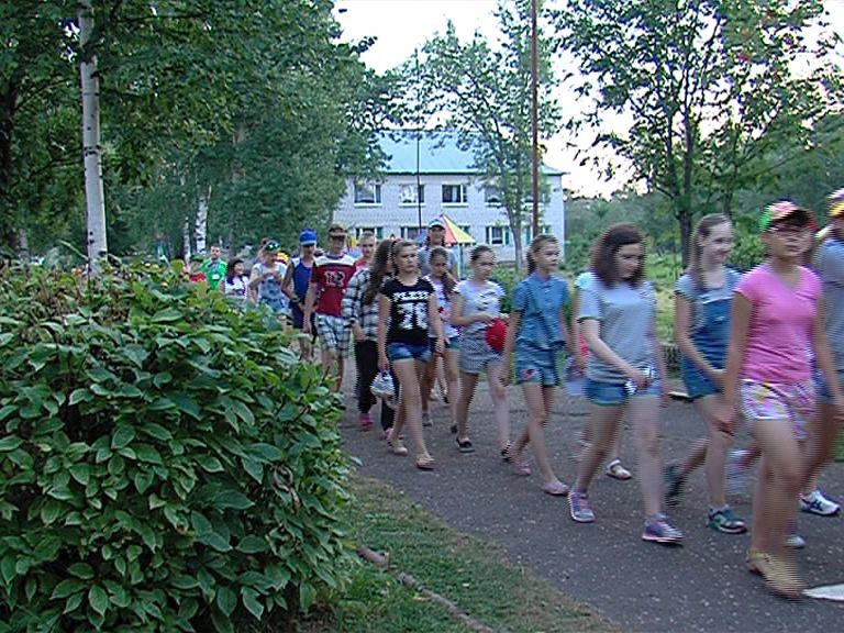 В области в летние каникулы откроют свои двери 480 детских лагерей