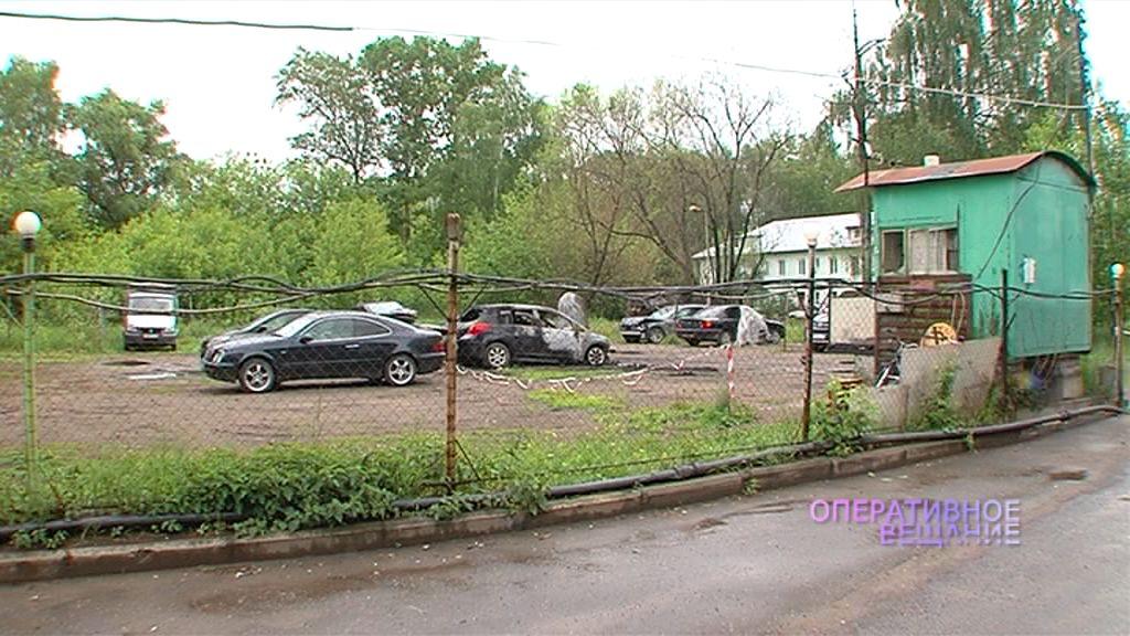 На платной парковке в Заволжском районе сгорели автомобили: кто виноват