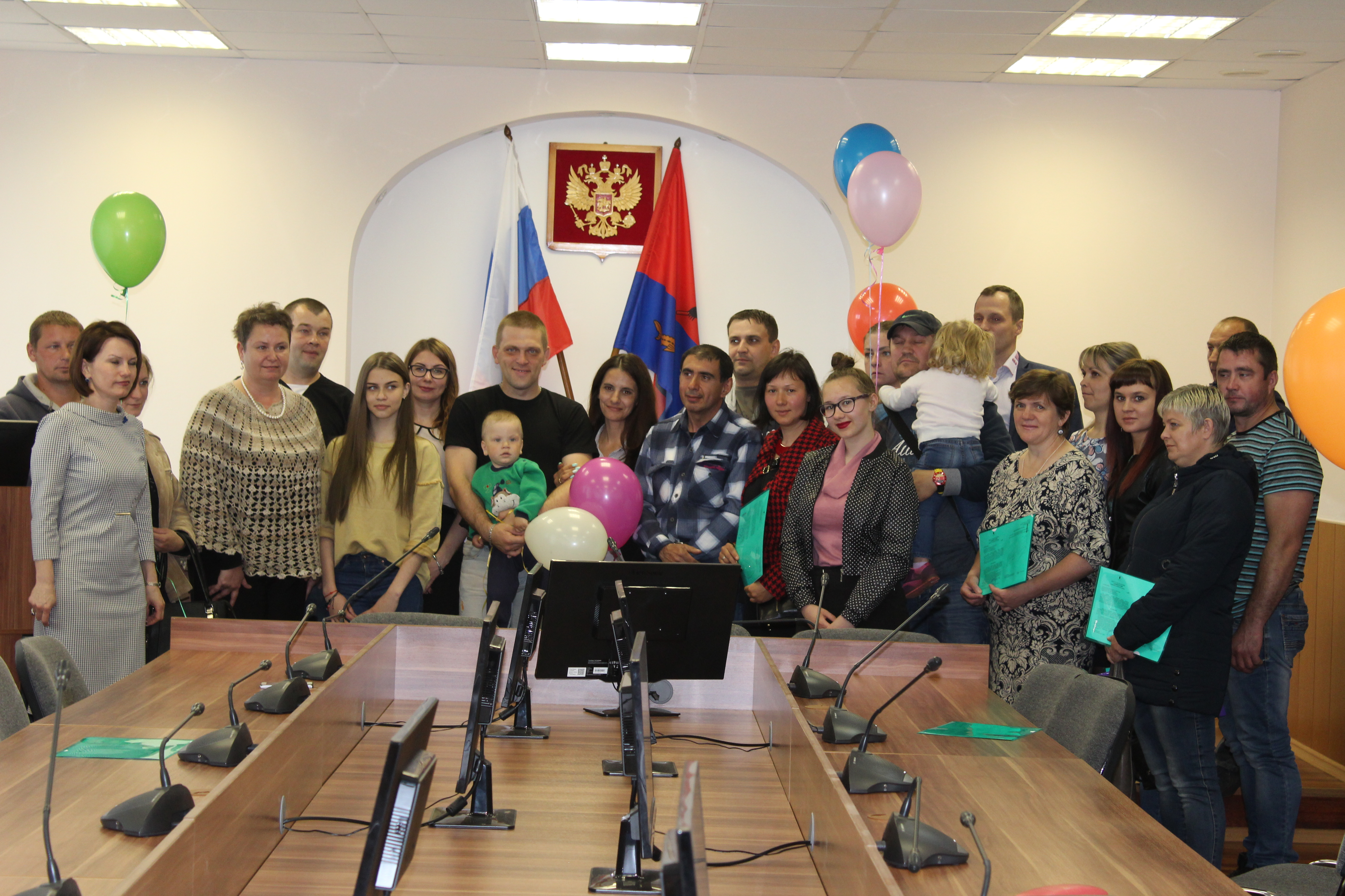 Шестнадцать многодетных семей из Рыбинска получили земельные участки