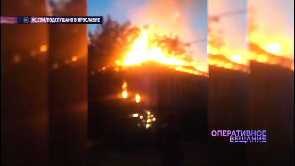 В Мирном загорелся расселенный дом