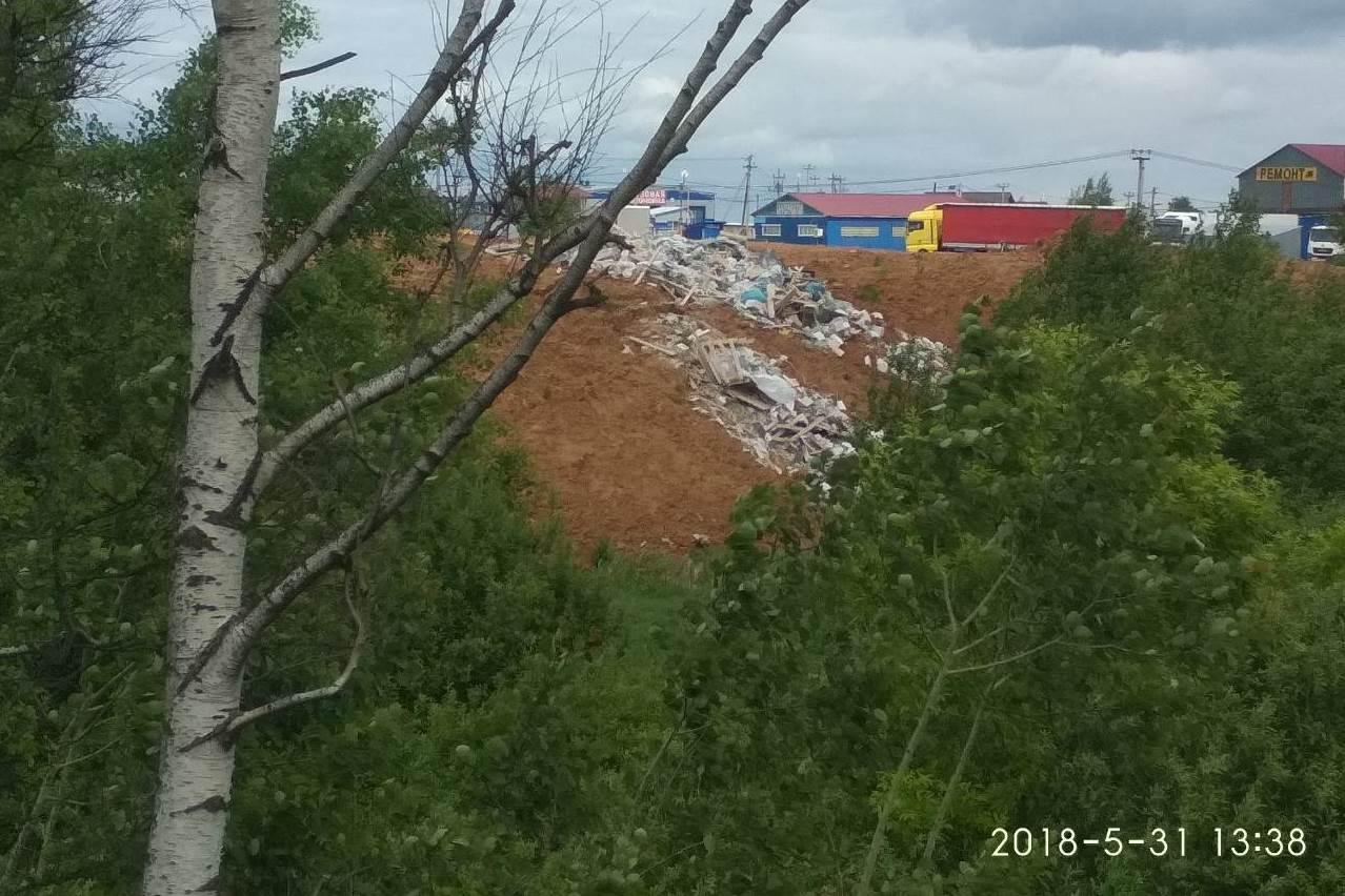 Свалка у въездной стелы в Ярославль ликвидирована