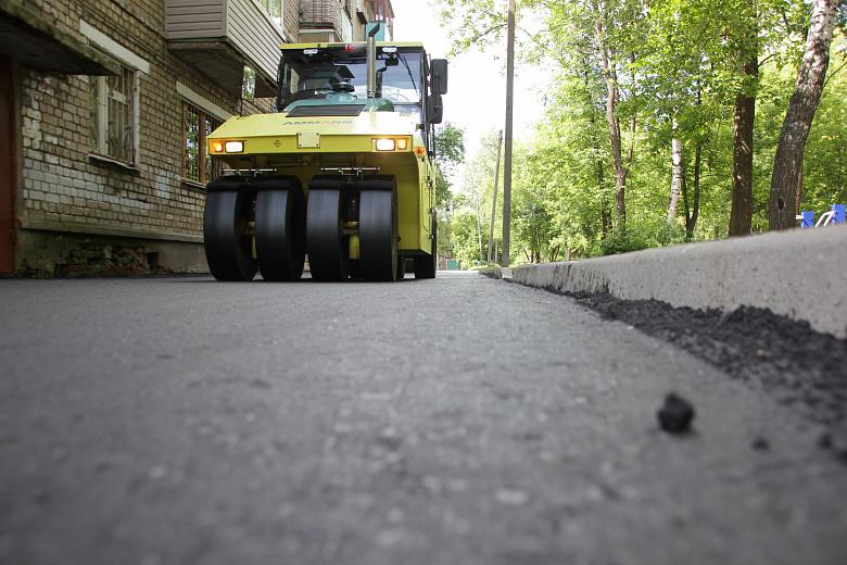 «Решаем вместе!»: На Закгейма завершается работа по ремонту дворов