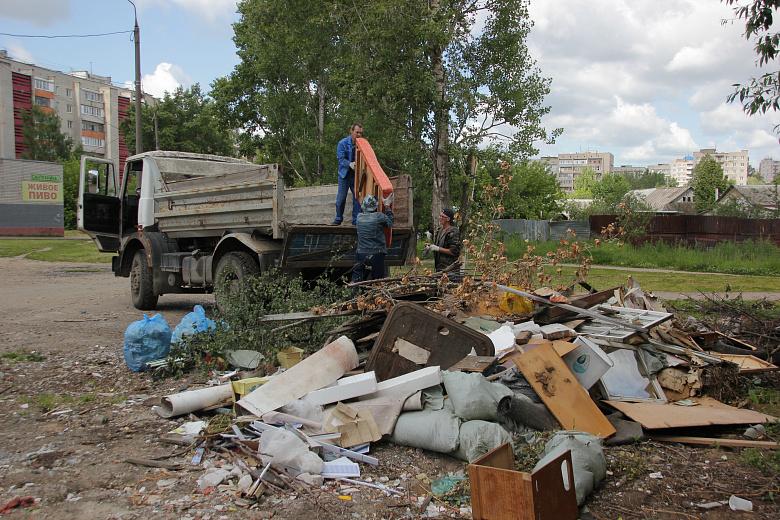 На улице Доронина ликвидировали свалку отходов