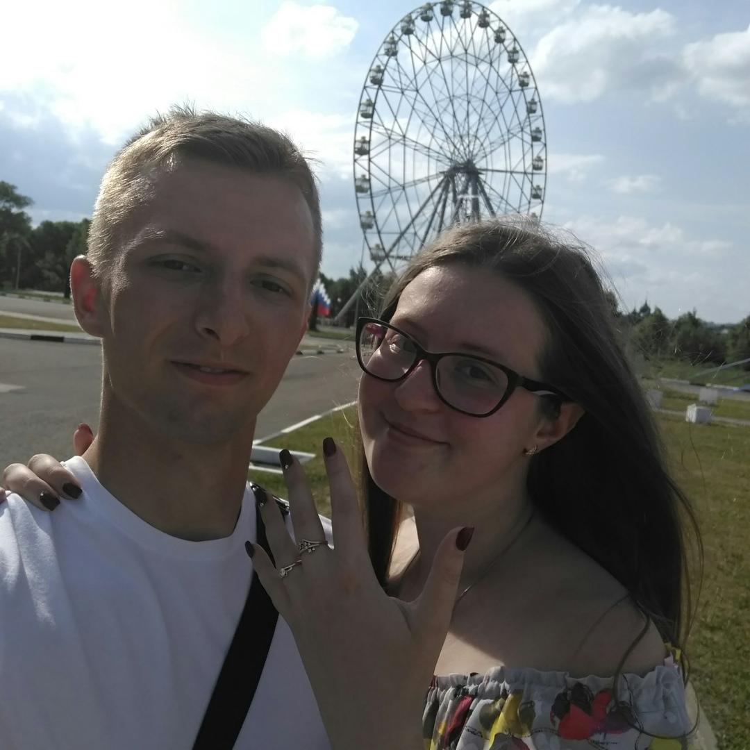 «Да» на высоте 65 метров: парень сделал предложение любимой на колесе обозрения