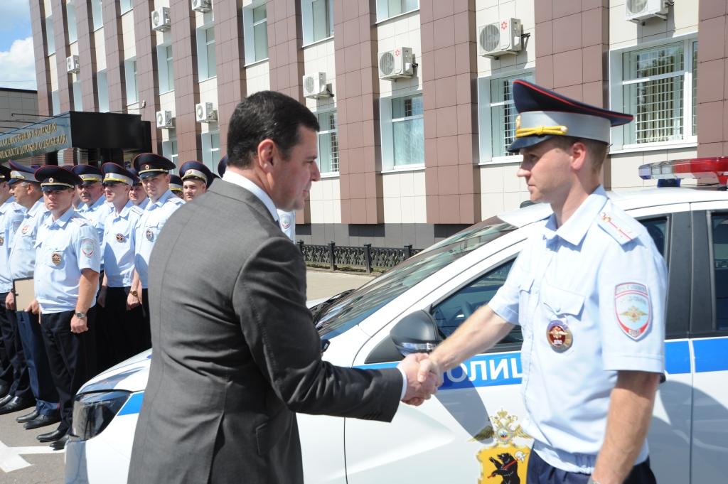 Дмитрий Миронов поздравил сотрудников ГИБДД с профессиональным праздником