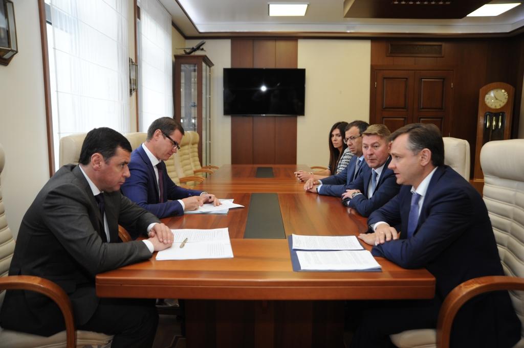 Дмитрий Миронов встретился с президентом объединенной авиастроительной корпорации Юрием Слюсарем