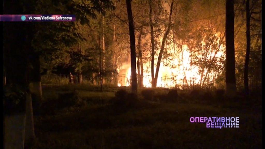 В Тутаевском районе загорелись сараи с газовыми баллонами