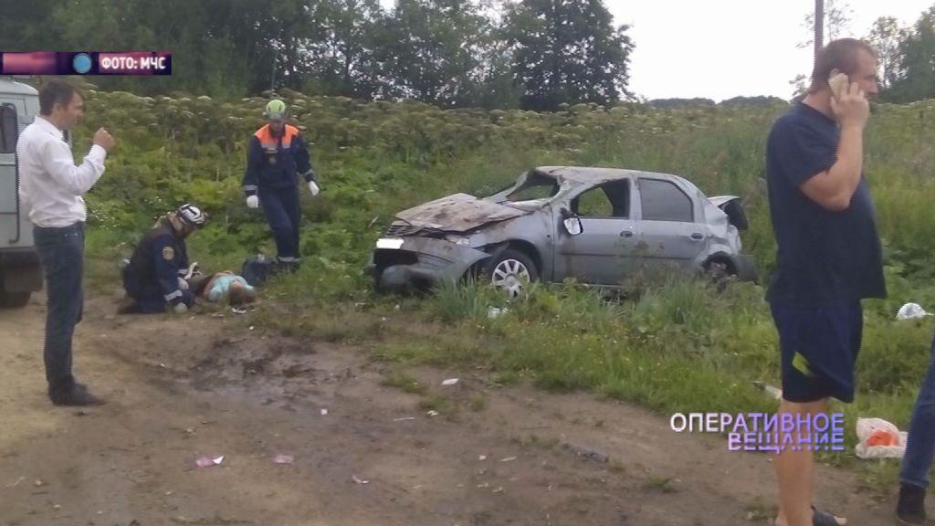 У деревни Ямино столкнулись два автомобиля: есть пострадавшие