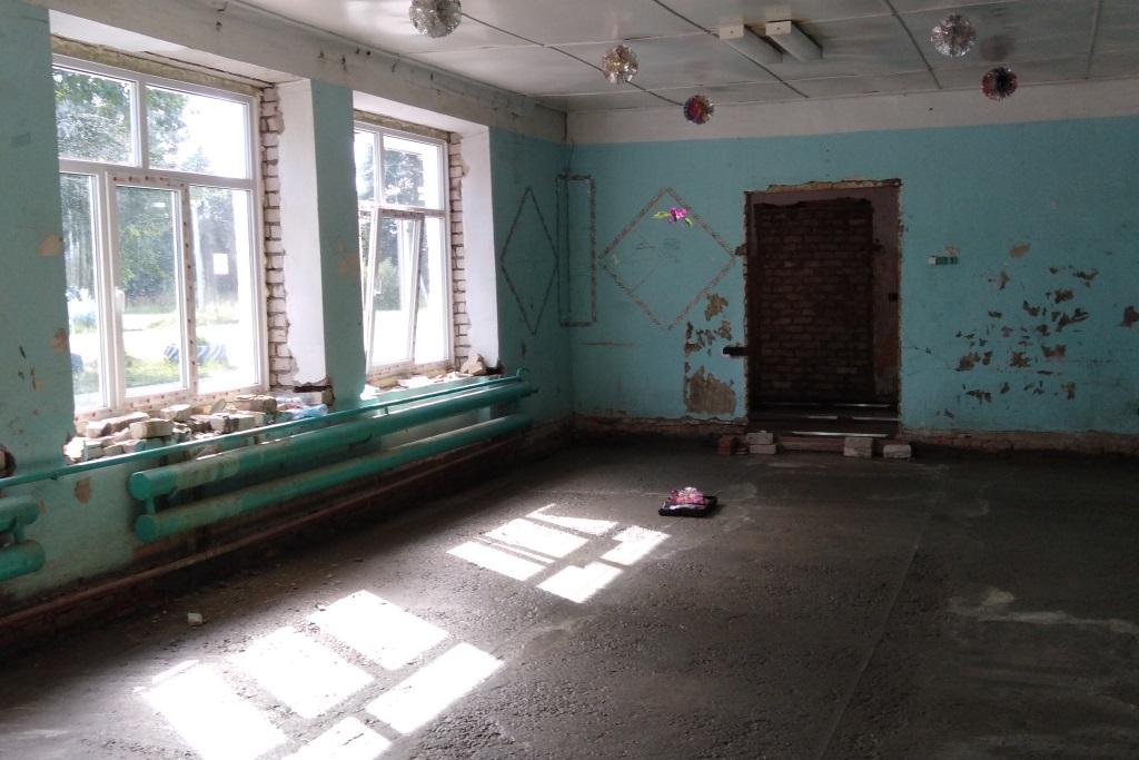 В поселке Сосновом ремонтируют сельский клуб по программе «Решаем вместе!»