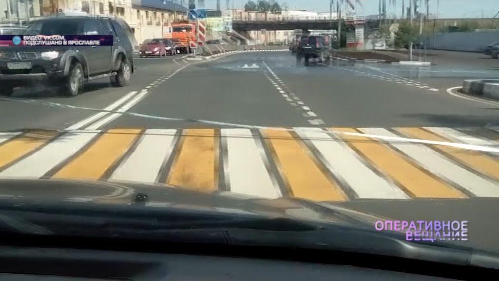 Недавно отремонтированный Мышкинский проезд погрузился под воду из-за аварии на сетях
