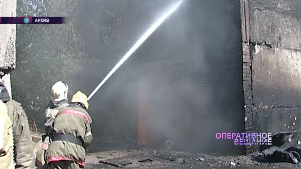 На предприятии на проспекте Октября загорелась крыша