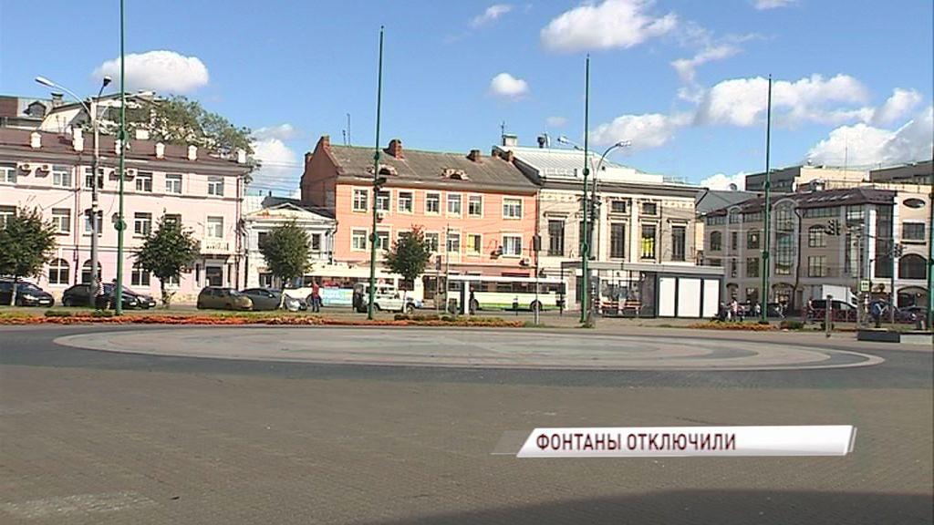 Фонтан у ТЮЗа закрыли на ремонт