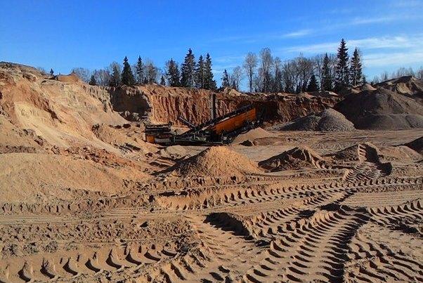 Недропользователей накажут за разрушение дорог при добыче песка