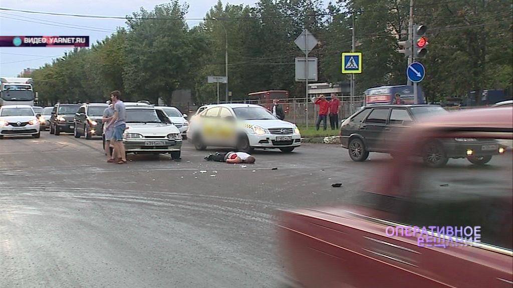 На оживленном перекрестке в Брагине сбили мужчину