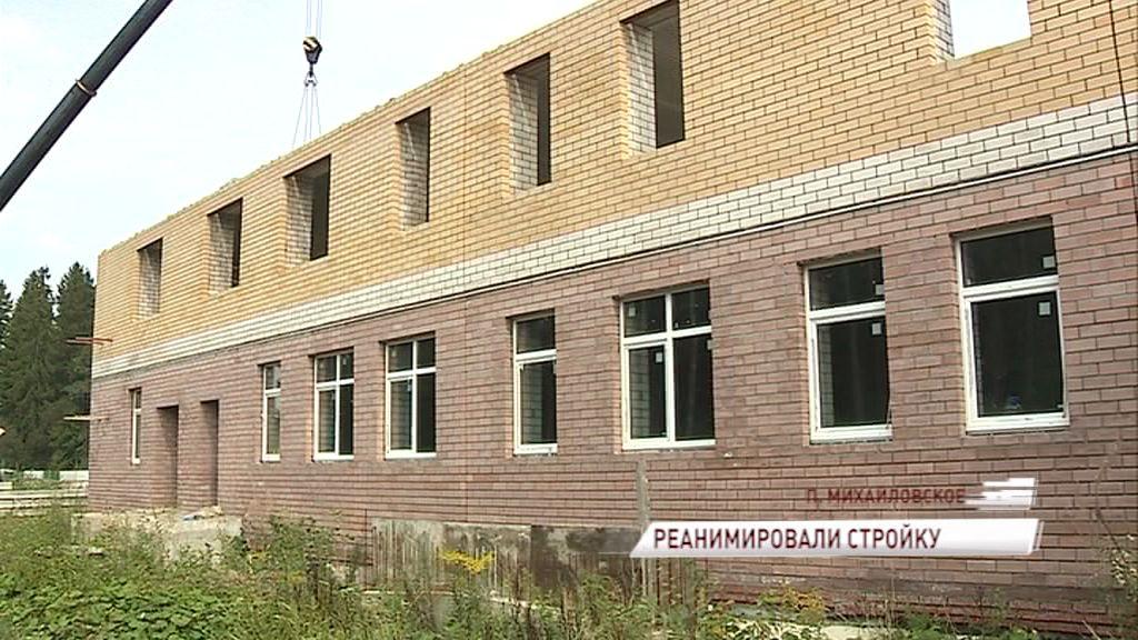 В поселке Михайловский возобновили стройку «замороженного» садика