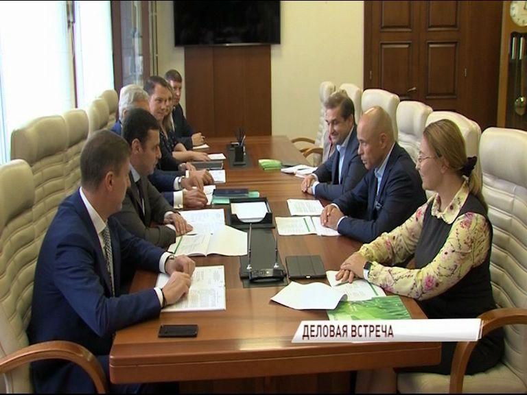 Дмитрий Миронов провел деловую встречу с вице-президентом крупного банка