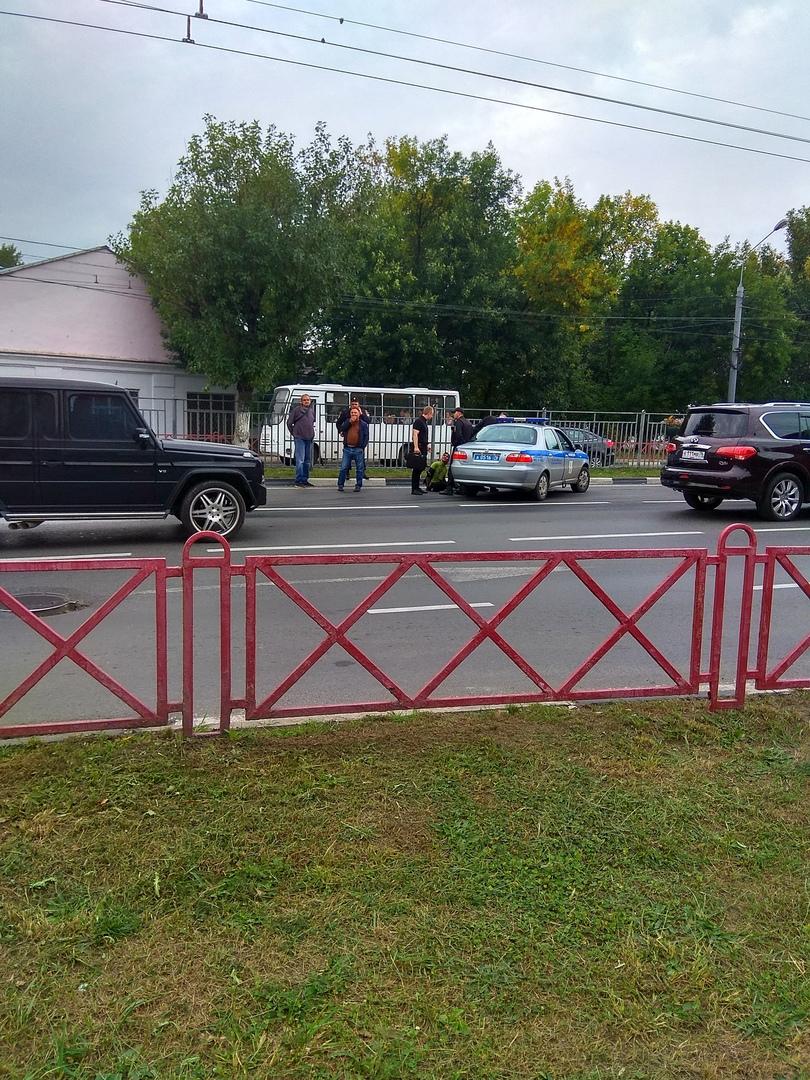 В Ярославле пассажир напал на водителя, вооружившись отверткой