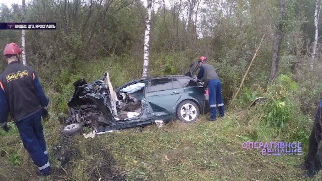 На Северо-Восточной окружной дороге столкнулись иномарка и экскаватор: есть пострадавшие