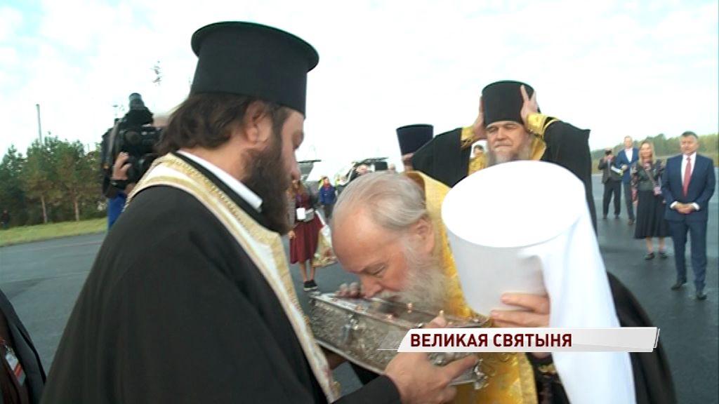 Великая святыня – в Ярославле: как верующие встречали мощи святителя Спиридона