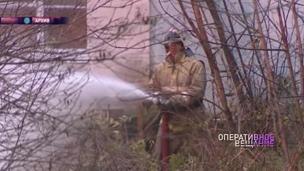 Крупный пожар в Красном Профинтерне: пожарные работали полдня