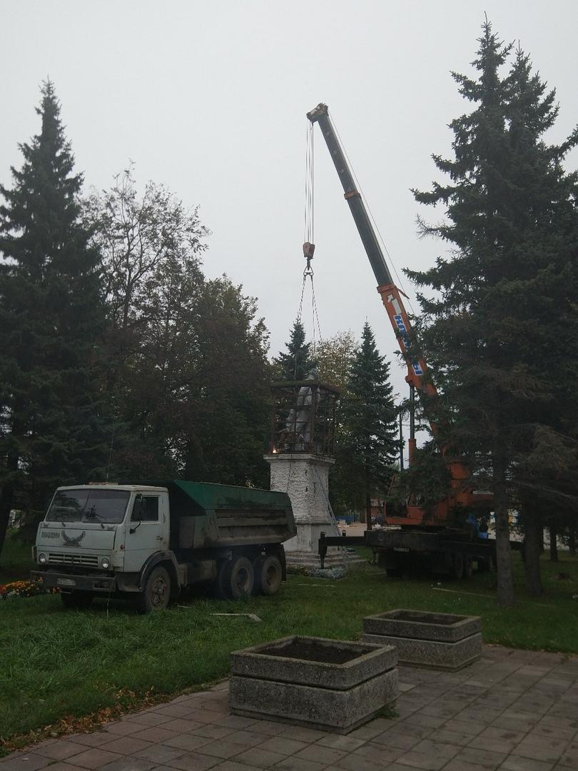 В Угличе демонтировали памятник Ленину, чтобы построить храм