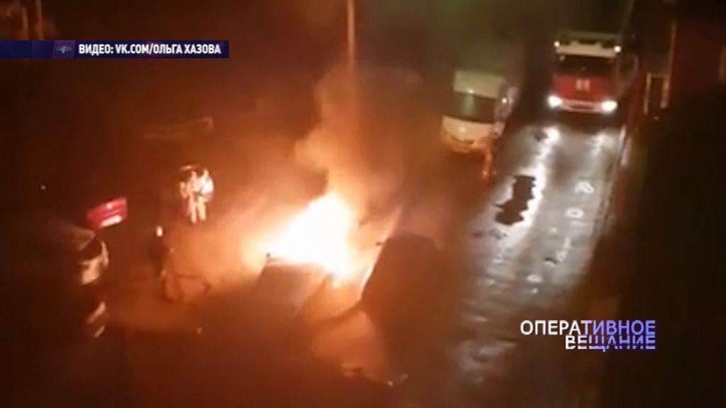 В Рыбинске загорелся автомобиль: в салоне был человек