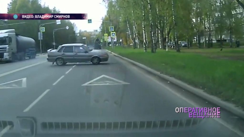 В Брагине легковушка вылетела на встречку и чудом не столкнулась с другими авто