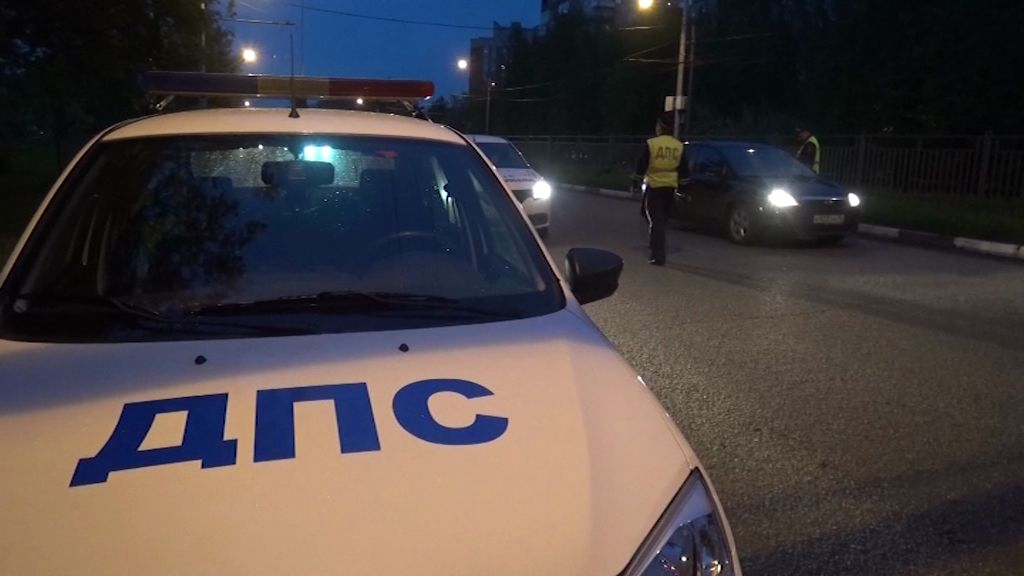 В Мышкинском районе столкнулись три иномарки: одна из них загорелась