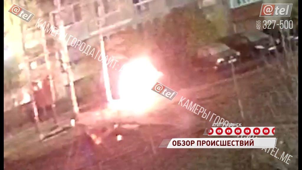 Рыбинский поджигатель машин попал в объектив камеры