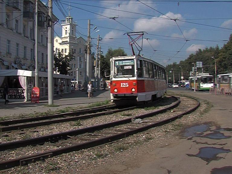 На Пятерке фура столкнулась с трамваем