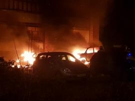 В Рыбинске сгорели две легковушки