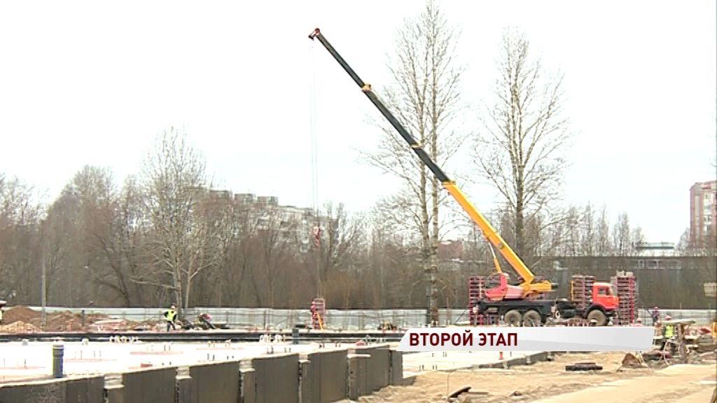 В Дзержинском районе Ярославля продолжается строительство крупного ФОКа