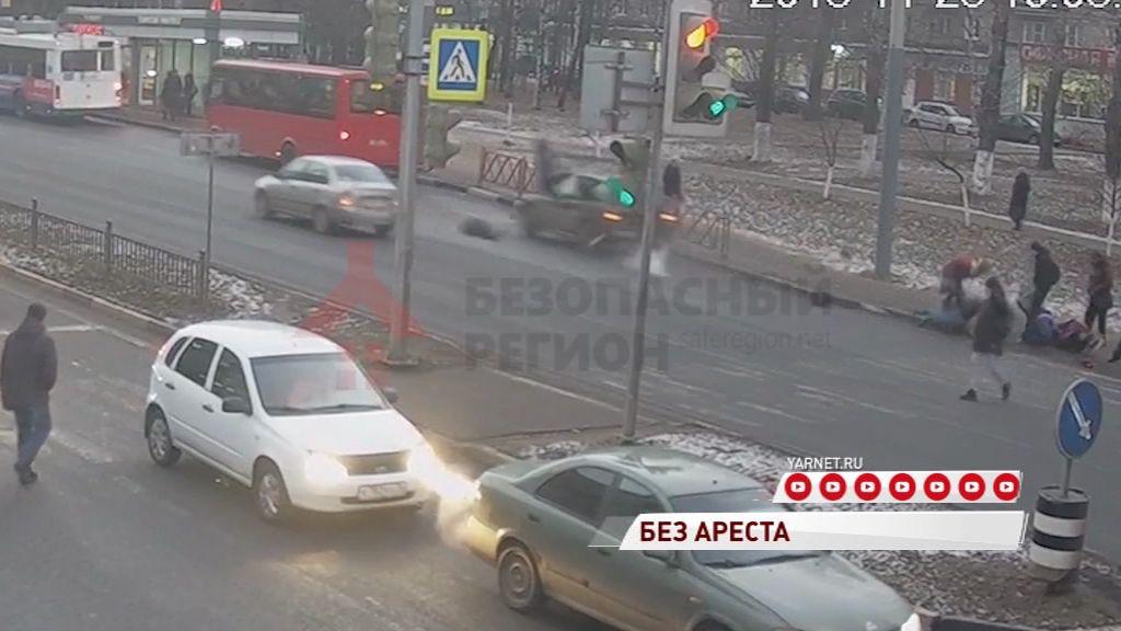 Жизни пострадавших в аварии на Московском проспекте ничего не угрожает